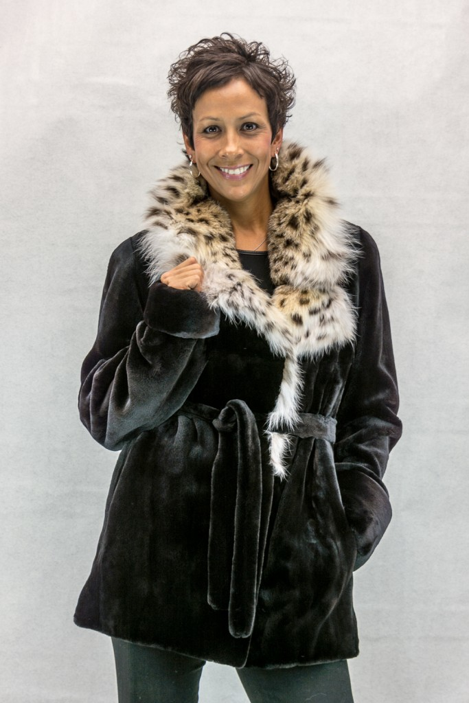 W10 black sheard letout 30 mink jacket with natural lynx collar and tie belt2