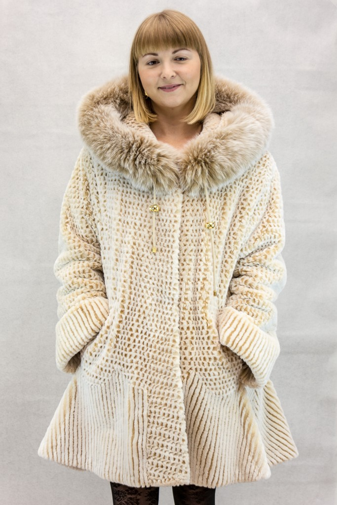 W59 caramel snowtop 32 sheared beaver parka with snow top fox trim and laser grooving detail3