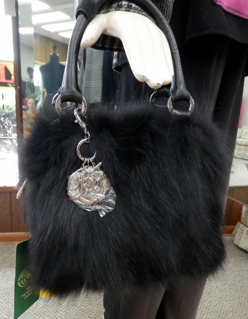 Belle Fare Black Fox Purse1