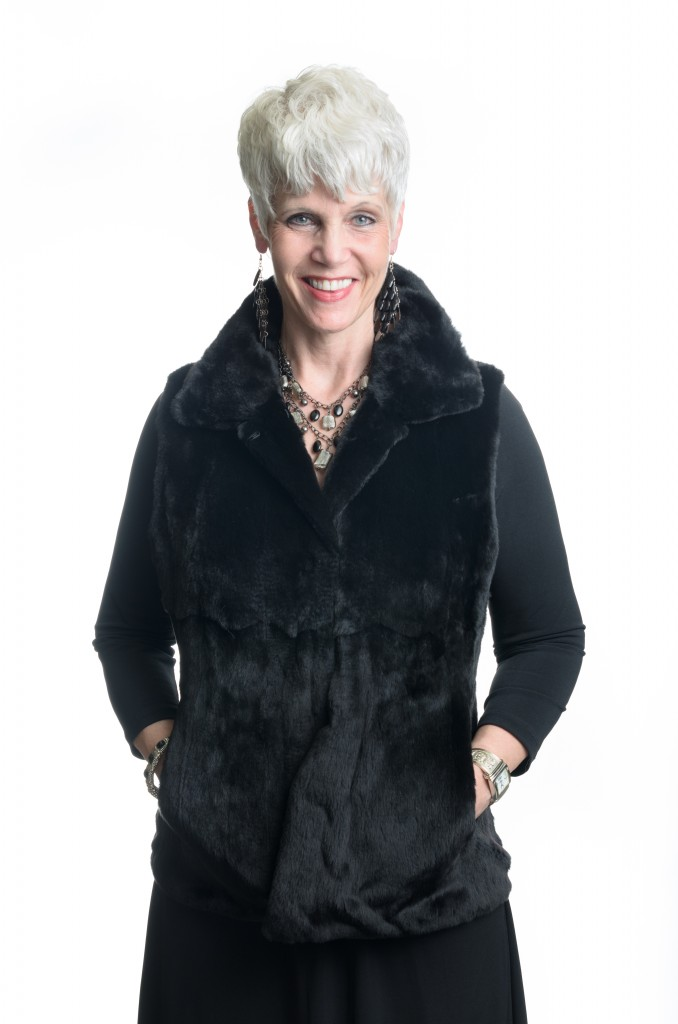 black dyed 24 plucked mink vest reverses to black lamb nappa leather1