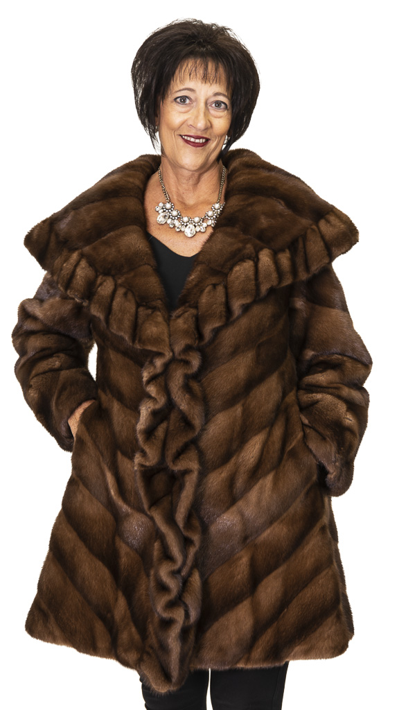 69 2 Mink Ugent Furs