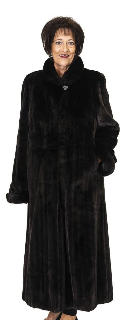 71 2 Blackglama Mink Ugent Furs